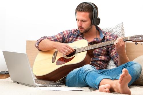 تعليم الجيتار