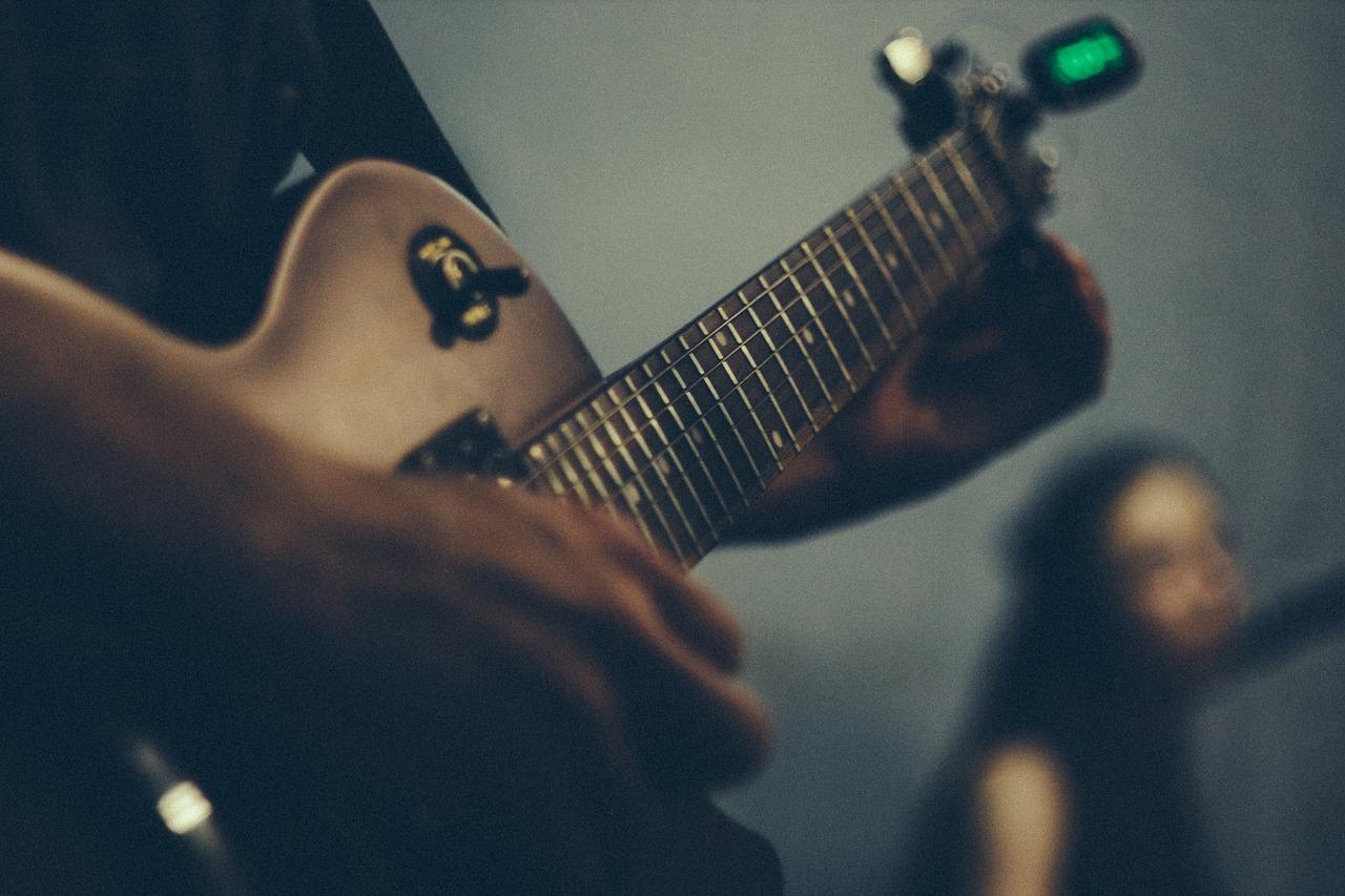 electric guitar, guitar, strings